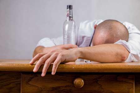 Was hilft bei einem klassischen Alkohol-Kater?
